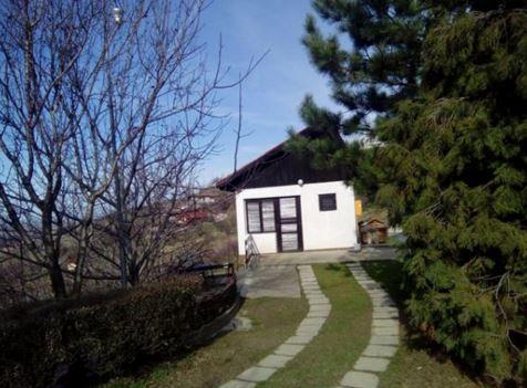 Евтина къща в село на 28 км. от Бургас